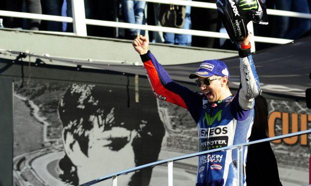 Lorenzo completa la despedida perfecta de Yamaha en Valencia