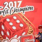 Marc Márquez celebra a lo grande su sexto título mundial en Cervera