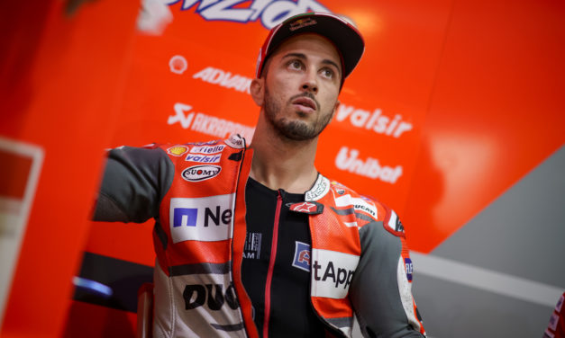 Andrea Dovizioso gana a Marc Márquez en la carrera de MotoGP de Qatar
