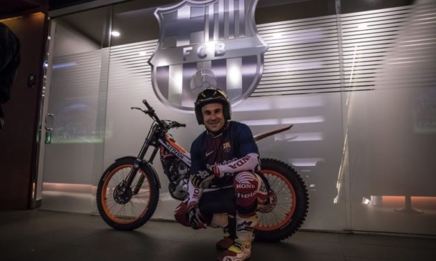 """Toni Bou """"juega"""" en el Camp Nou"""