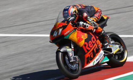 Brad Binder gana en casa de KTM la carrera de Moto2